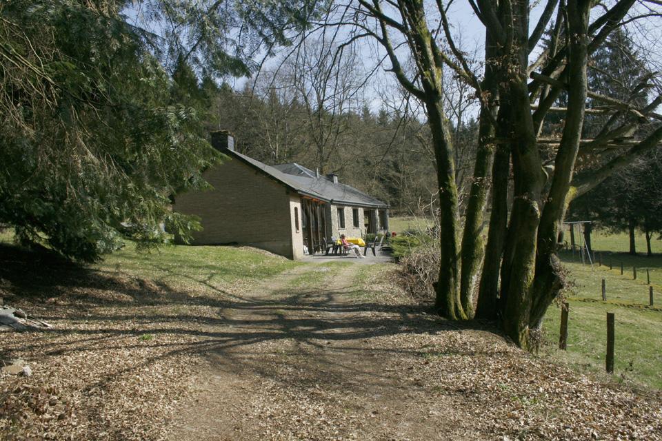 Vakantiehuis chalet in een bos in de ardennen mitauge for Chalets te koop ardennen particulier